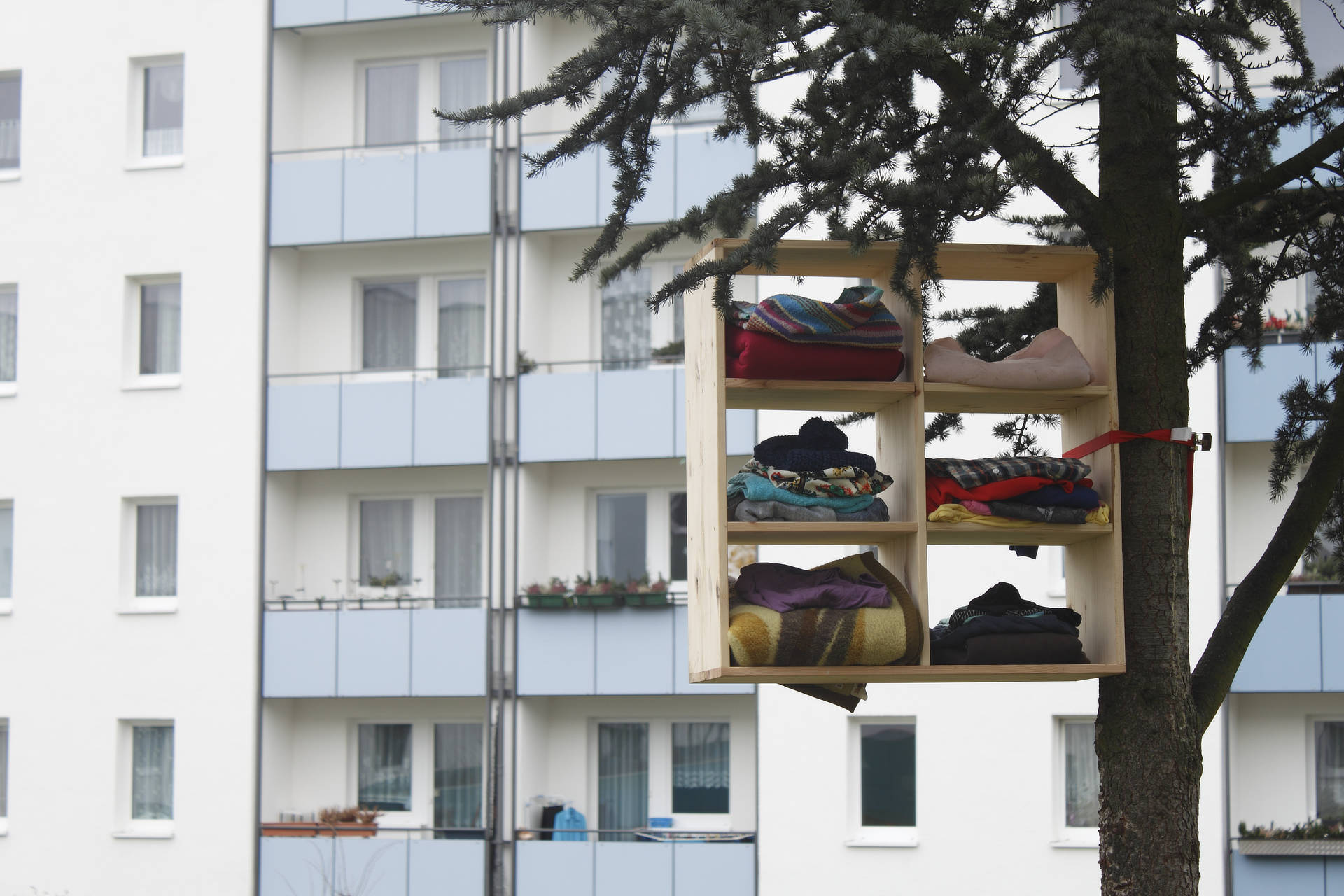 Tomaz Kramberger - Worn Architecture - Art Installation